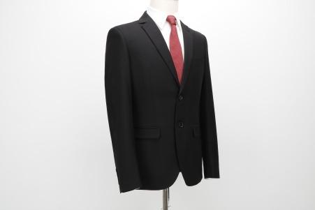 suit-2688309_1920